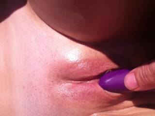 Very nice pussy...I'm very oral and would love to get my mouth on that!!