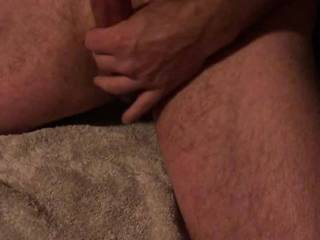 3min solo wank with butt plug. I love edging and getting it throbbing. I miss a pussy to put it into.