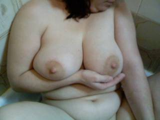 perfect soft beautiful women  with awesome tits  Thanks for sharing