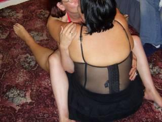mmmm really enjoyed that intimate moment ur lips were soooo soft can anyone guess which lips ? ooooohhhh  love ya sexy xxxx