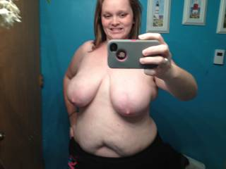 If i lived in the area i definitely would love to play with her. Those are some luscious titties!