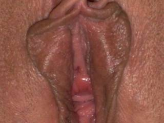 Man, I'd LOVE to be licking, kissing, and sucking on those lips. The way you show your naked pussy is exciting!