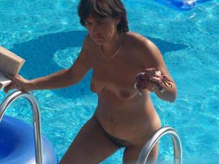wife shows all in the pool