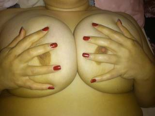 looks like you could use an extra set of hands and a big hard cock ;)