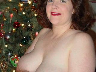 This super sexy Mormon lady giving us a Christmas treat.