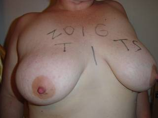 love yout titties, would love to suck those hard nipples:)