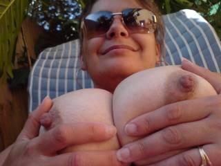ohh cupp them beautiful big nippled titty treats..BB DOLL LADY