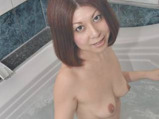 me nude in bath