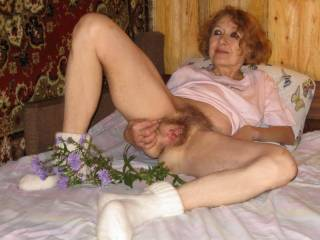 NOW that is wat you call a hairy pussy  wow thanxs for sharing x