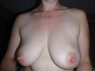 She could breast feed me with those lovely saggy tits,i would suck the shit out of them !