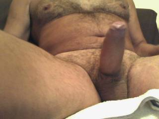 A nice gentle wank leading to an oozing cum rather than a spurt
