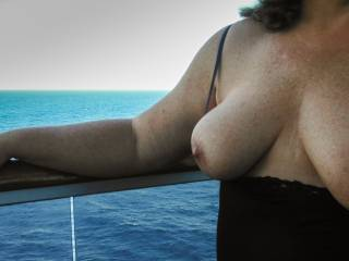Mrs. McLovin showing her tits on a cruise ship balcony in the Bahamas. Who wants to join us for the next one?