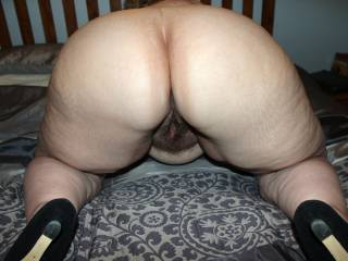 Holy Fuck what an ass. I want to hear my balls slapping it while I Fuck her like there is no tomorrow.