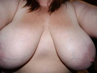 wow those are wonderful naturals, like those huge soft nipples too, great pix