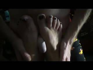 I just want you to all cum all over the place while watching me fuck and cocksmack my ex\'s feet.Send any feet cumshots,I love it!!! Male or female,I hope you make a mess and orgasm soooo hard!!! Enjoy!!!