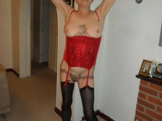 hi all one of our sex posing sessions dirty comments welcome mature couple