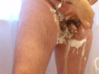you can shave my cock and balls anytime, mmmm delicious vid, so sexy
