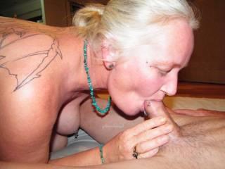 sucking Jim\'s beautiful cock any bi ladies like to help me??