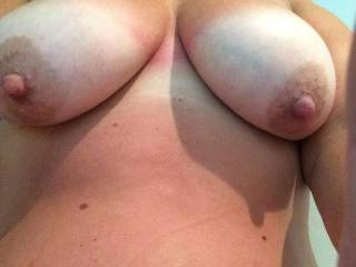 Mmm those thick nipples should be tugged and stretched for fun too..hot udders