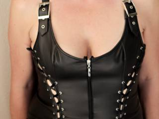 A body shot per request of many friends ... Black leather to entice a little extra kinkiness... I feel naughty and act naughty in this outfit... I keep my heels on BTW... Gimme some suggestions please....