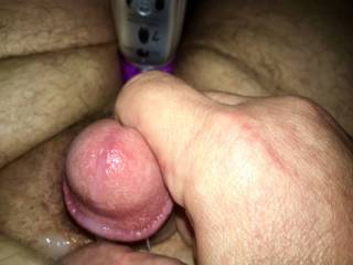 Releasing several days worth of cum all over my hands and stomach;)
