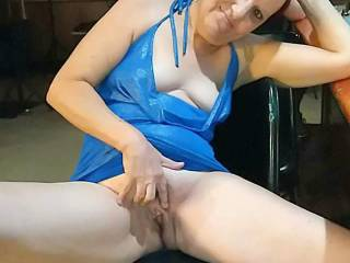 Fingering and spreading her pussy in public.