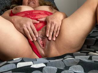 Wife showing off her pussy