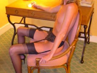Anyone needs a private secretary?....repeating myself: I honestly DISLIKE with a passion any close-ups of cocks, pussies, etc. BODY PARTS don\'t do it for me. Get a clue people before you even try to befriend me please!
