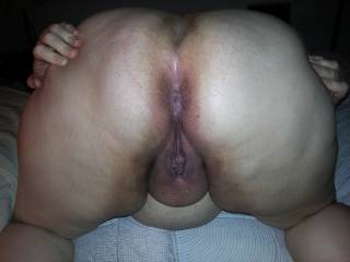 mmmmmmmmmm love to have my face there eatting her as your fucking and cumming in her