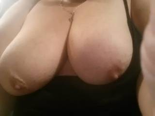 Sat morning horny sent this pic to a guy I want to fuck
