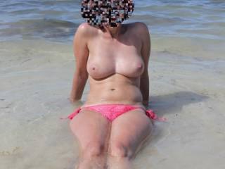 beautifull  !  so fun to be naked on beach