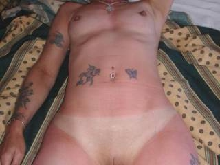 wow! Beautiful tight fully shaven pussy, I've just popped my cork.....