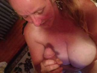 Very mature bbw granny giving me a blow job