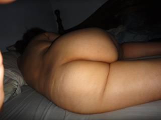 mmmm very nice juicy round butt I love it !!