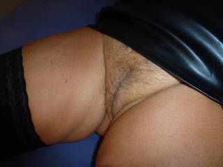 like to show my hairy pussy