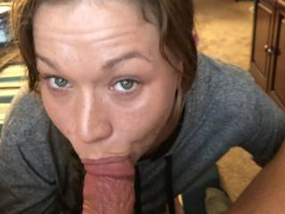 Nothing better than beautiful green eyes looking at me while sucking my fat cock