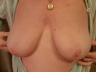 Lovely big tits.