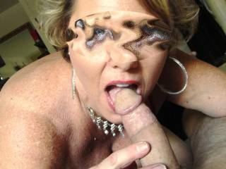 I'd love her to work me over like that!  LUCKY GUY!