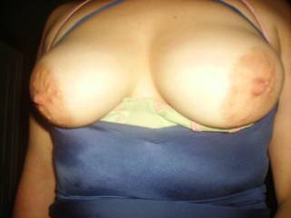 I love those sexy nipples. I rather suck them then smack them but i can play rough too ;)