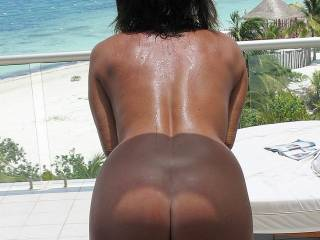 omg tht is a great view oh u mean th water.? lmao i would love to lick th sweat off ur back down to tht sweet bad ass. thn spread ur tan ass cheeks and lick ur pussy up to ur tight asshole.