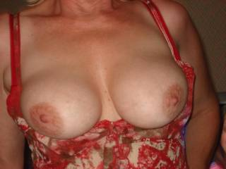 you have fantastic tits i would love to be able to suck on them