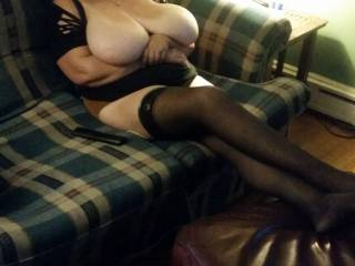 We are couple of New Jersey who are looking for people to swing with we can entertain at our place please contact us if interested