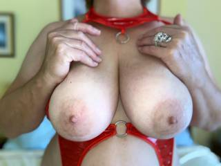 Ok Zoigers...Who wants to cum all over these jugs? Inbox us nice pics and cum!