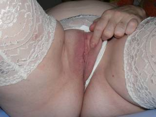 i'd like to see you tribute my pussy ...