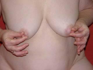 mmm work those Nipples  Sexy make them Hard