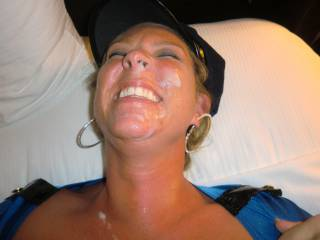 Gotta love a pretty woman who takes a nice yummy load on her face with a great big smile!