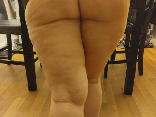Who wants some of this thick ass and pussy???