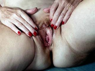 love to lick up her lucious thighs and feast on her fine pussy for an hour of four
