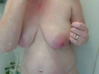 Love her shower pics!!! She has a stunning body!!!
