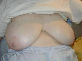 I love older tits,love hers alot!!